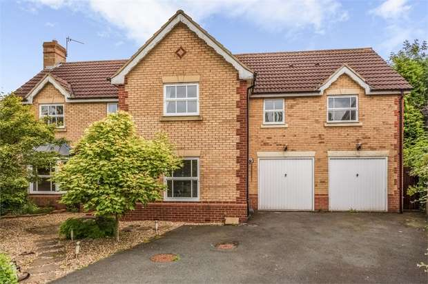 5 Bedrooms Detached House for sale in Halleypike Close, Newcastle upon Tyne, Tyne and Wear