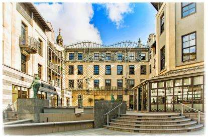 2 Bedrooms Flat for sale in Cochrane Street, Merchant City, Glasgow