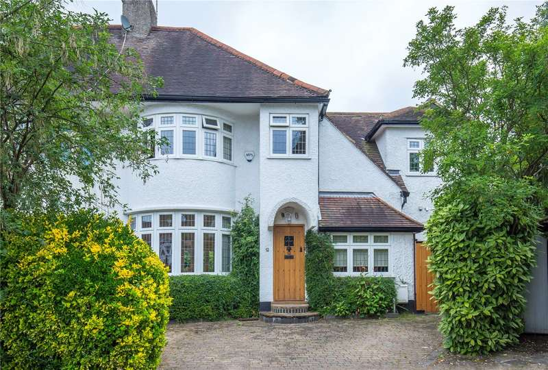 4 Bedrooms Semi Detached House for sale in Copthall Gardens, Mill Hill, London, NW7