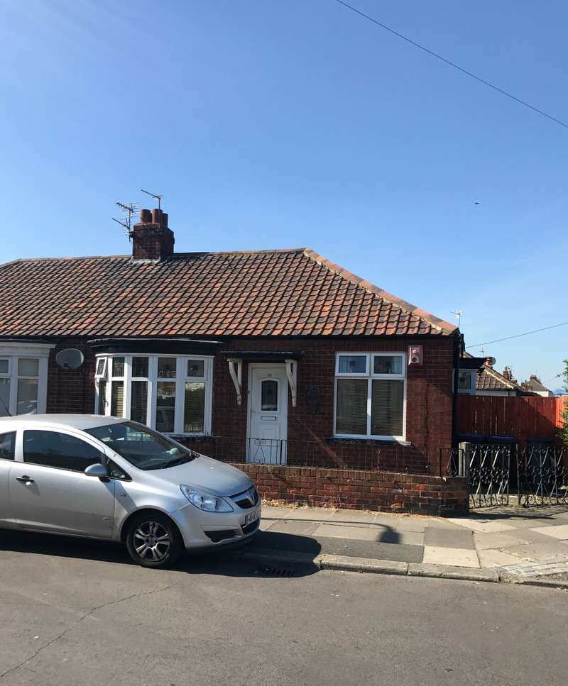 2 Bedrooms Semi Detached House for sale in Highfield Road, Middlesbrough, Cleveland, TS4 2QR