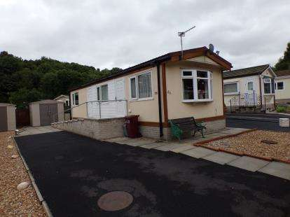 1 Bedroom Bungalow for sale in Gawthorpe Edge, Padiham Road, Burnley, Lancashire, BB12