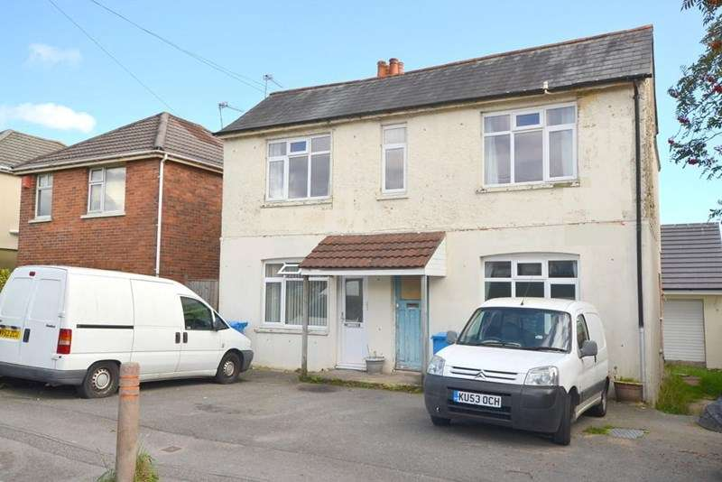 2 Bedrooms Flat for sale in Parkstone, Poole, Dorset, BH12