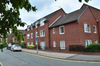 1 Bedroom Flat for sale in Homelodge House, Castle Dyke, Lichfield
