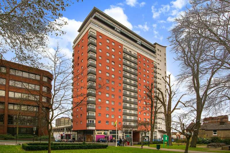 Studio Flat for sale in Throwley Way, Sutton, SM1