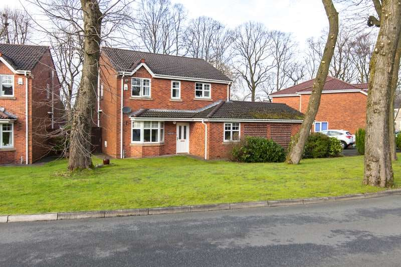 4 Bedrooms Detached House for sale in Maltby court, Oldham, Lancashire, OL4