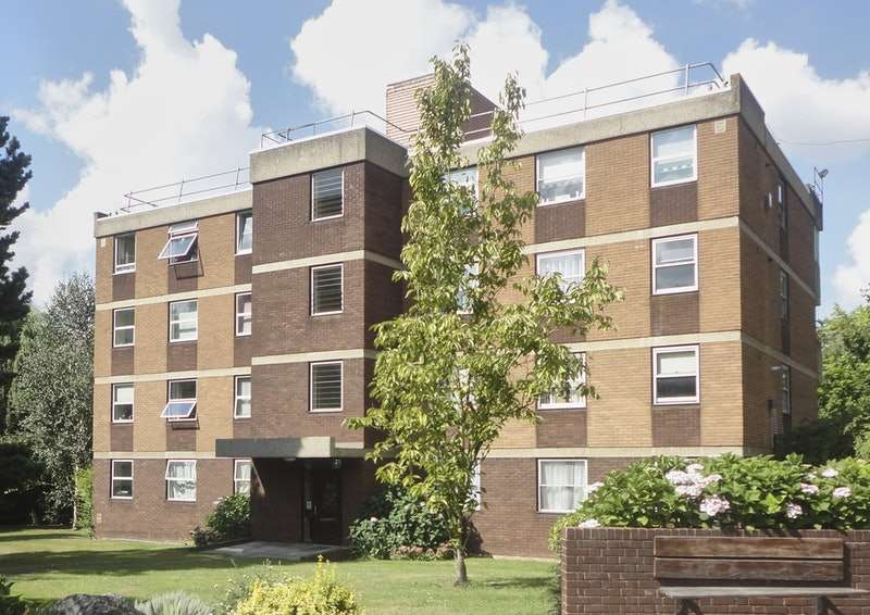 2 Bedrooms Flat for sale in WOOLMEAD AVENUE, WEST HENDON, London, NW9