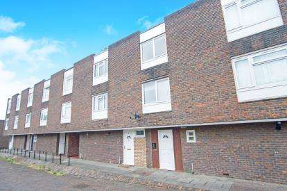 3 Bedrooms Terraced House for sale in Carberry, Little Strand, London