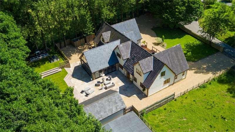 7 Bedrooms Detached House for sale in Lady Bridge Lane, Heaton, Bolton, Lancashire