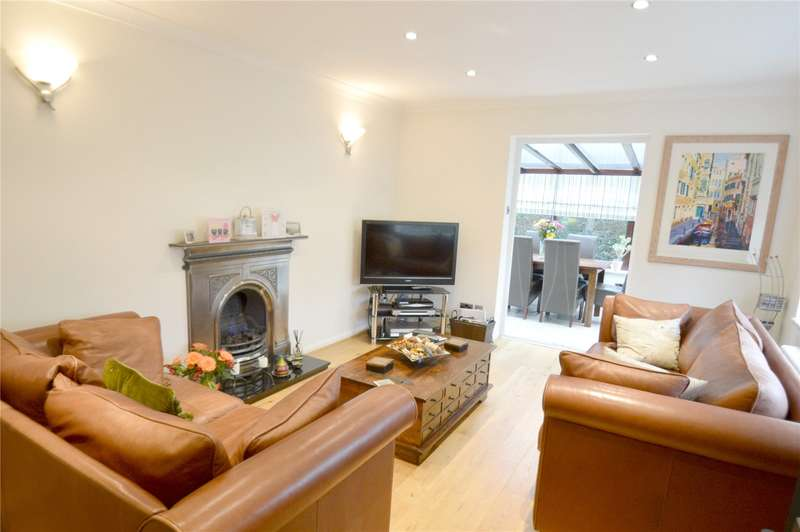 2 Bedrooms Detached Bungalow for sale in Lingfield Gardens, Coulsdon