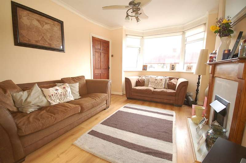 2 Bedrooms Terraced House for sale in Levine Avenue, Blackpool