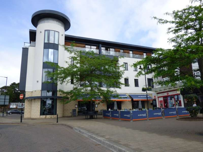 2 Bedrooms Flat for sale in 18 The Gallery, Abbey End, Kenilworth