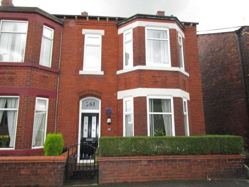3 Bedrooms Semi Detached House for sale in Rochdale Road, Royton