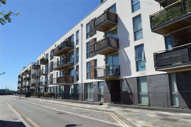 2 Bedrooms Flat for sale in Brittany Street, Plymouth, Devon