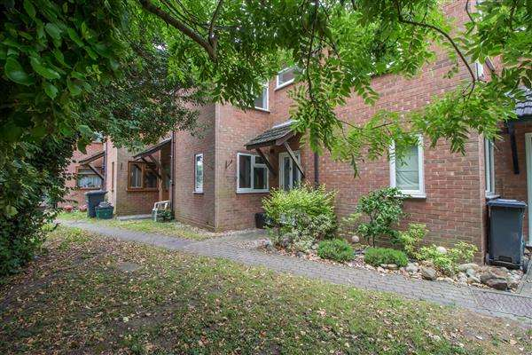 1 Bedroom Terraced House for sale in Burford Mews, Hoddesdon