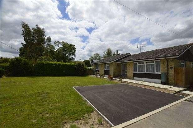 3 Bedrooms Detached Bungalow for sale in Smallfield, RH6