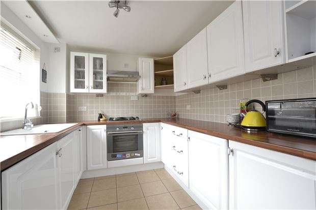 1 Bedroom Terraced House for sale in Thorney Leys, WITNEY, Oxfordshire, OX28 5LR