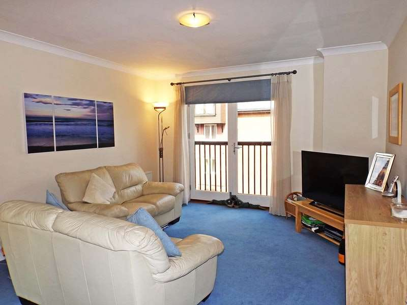 2 Bedrooms Apartment Flat for sale in East Bank, Wherry Road, Norwich, Norfolk, NR1