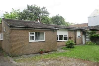 4 Bedrooms Bungalow for rent in Brownbill Bank, Netherley.