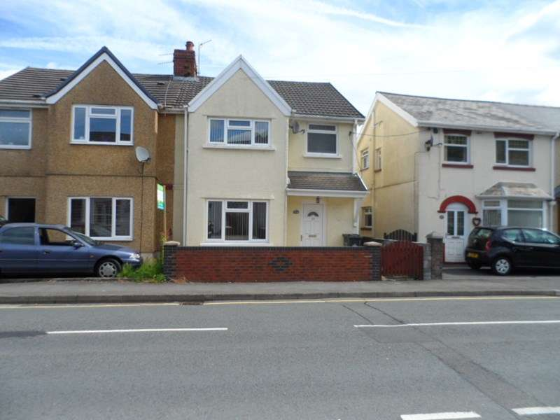 3 Bedrooms Semi Detached House for sale in Wind Road, Ystradgynlais, Swansea