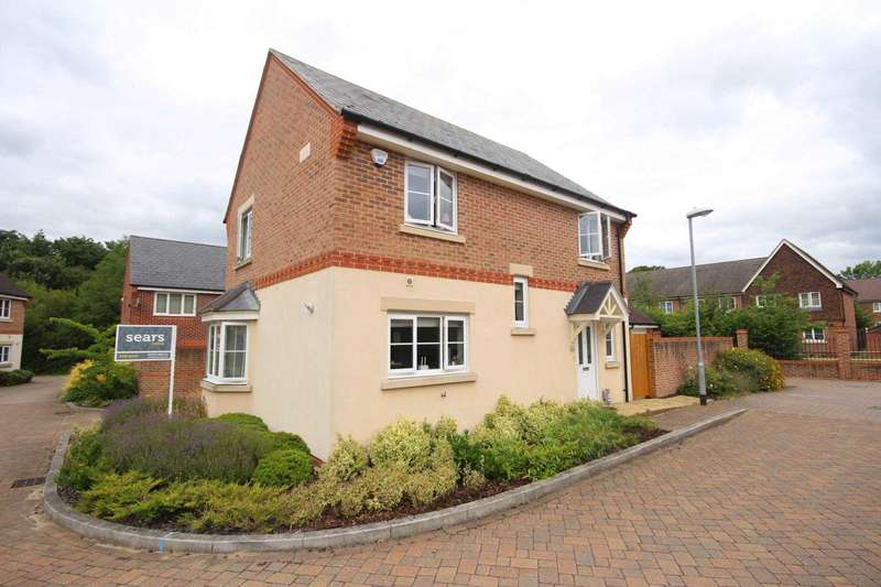 4 Bedrooms Detached House for sale in Starlings Roost, Jennett`s Park
