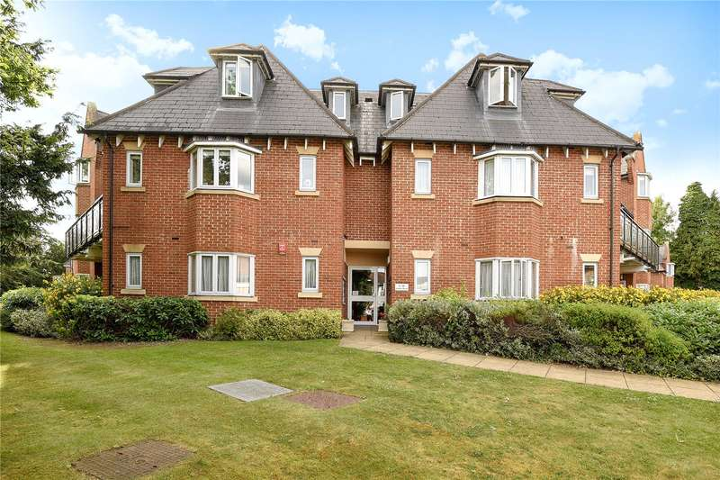 3 Bedrooms Apartment Flat for sale in Windsor House, Pynnacles Close, Stanmore, HA7