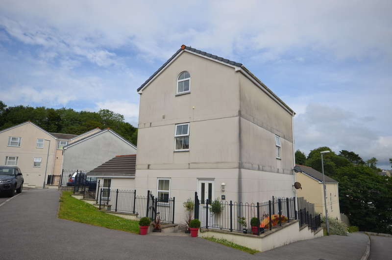 3 Bedrooms Maisonette Flat for sale in Truro