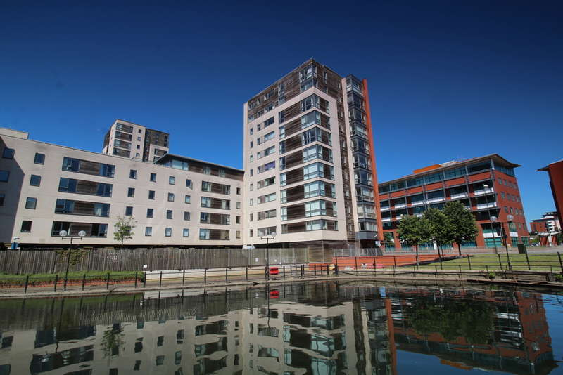 1 Bedroom Flat for sale in Falcon Drive, Cardiff