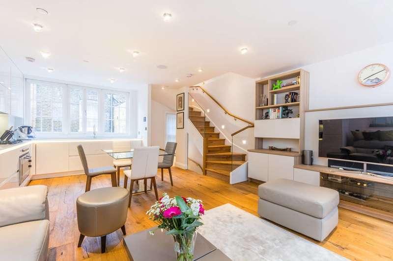 2 Bedrooms Flat for sale in Duck Lane, Soho, W1F