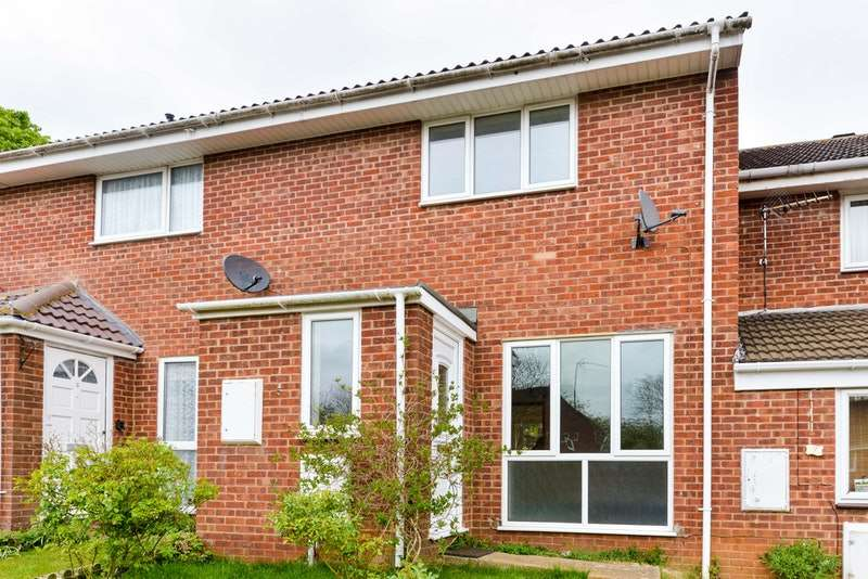 3 Bedrooms Terraced House for sale in Devon Way, Banbury, Oxfordshire, OX16
