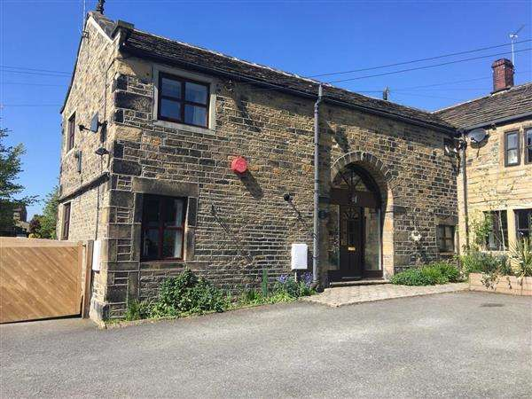 3 Bedrooms Semi Detached House for sale in Church Street, Honley, Holmfirth
