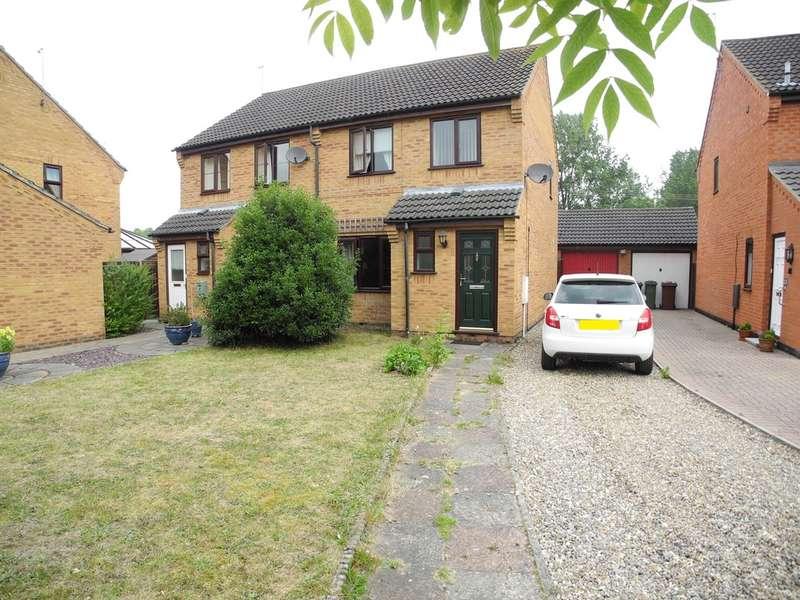 3 Bedrooms Semi Detached House for sale in Oakfields, Loddon, Norwich