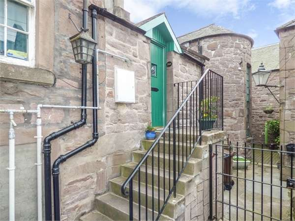 2 Bedrooms Flat for sale in High Street, Brechin, Angus