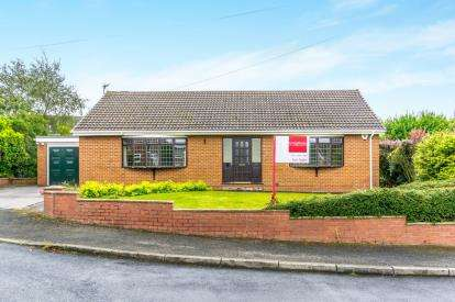 3 Bedrooms Bungalow for sale in Jennings Close, Hyde, Manchester, Greater Manchester