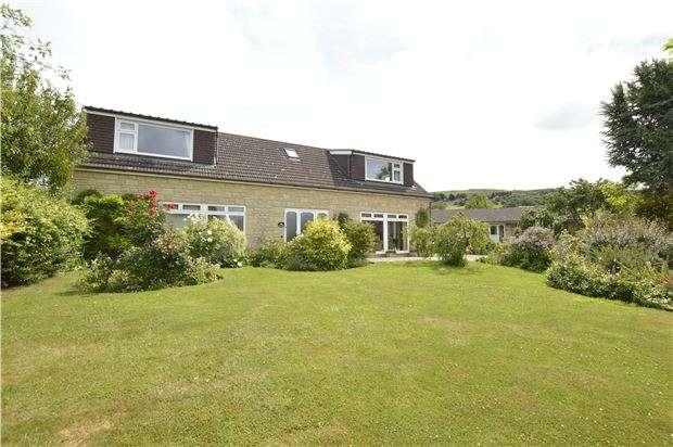 5 Bedrooms Detached House for sale in Hillside Close, Woodmancote, GL52 9QN