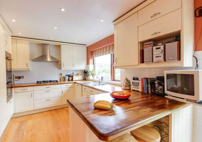 3 Bedrooms Terraced House for sale in Ditton Reach, Thames Ditton