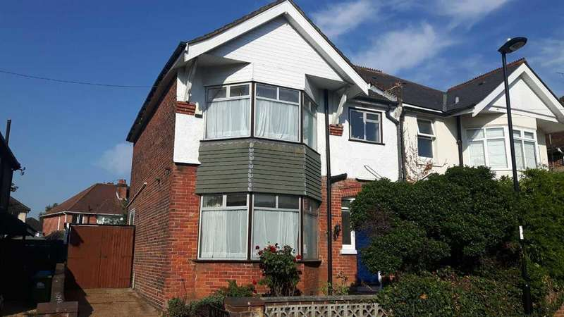 3 Bedrooms Semi Detached House for sale in Twyford Avenue, Southampton