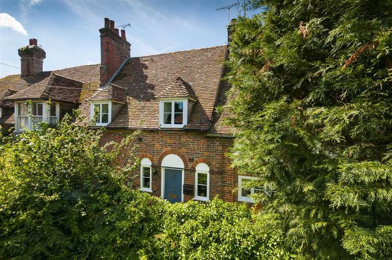 2 Bedrooms Cottage House for sale in Church Square, Lenham