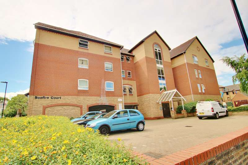 2 Bedrooms Apartment Flat for sale in Mitchell Close, Woolston