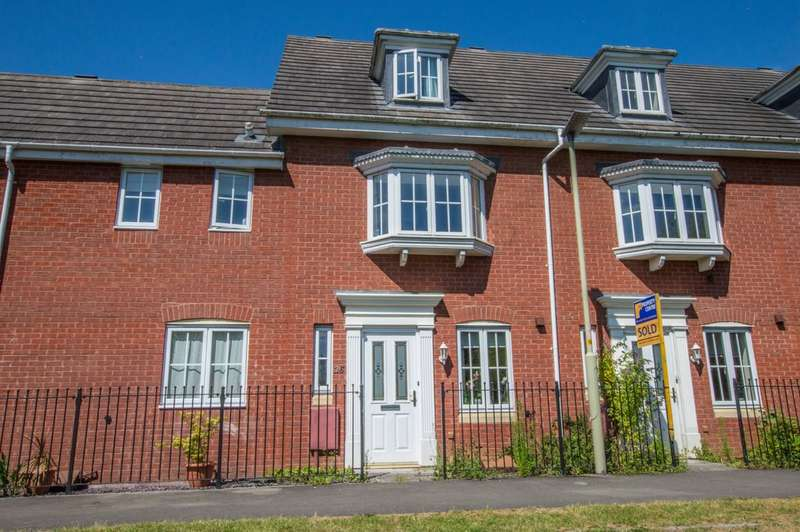 3 Bedrooms Terraced House for sale in Midsummer Walk, Hempsted, Gloucester, GL2 5EF