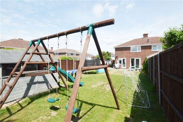 3 Bedrooms Semi Detached House for sale in Canterbury Walk, CHELTENHAM, Gloucestershire, GL51 3HN