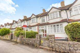 3 Bedrooms Terraced House for sale in Tisbury Road, London