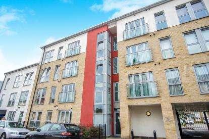 2 Bedrooms Flat for sale in 4 Rosedene Terrace, London
