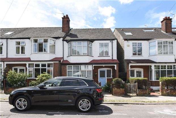 3 Bedrooms Semi Detached House for sale in Queensville Road, LONDON, SW12
