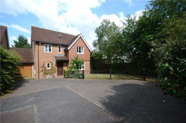 4 Bedrooms Detached House for sale in Tarrant Green, Warfield