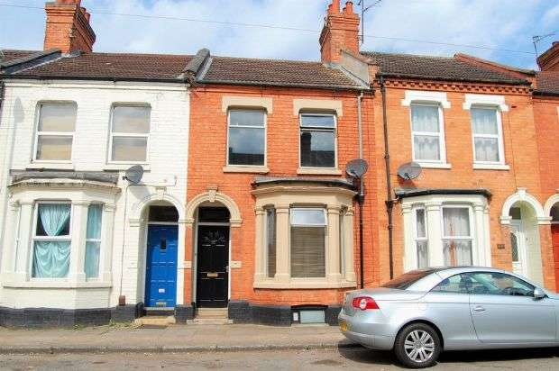 3 Bedrooms Terraced House for sale in Ivy Road, Abington, Northampton NN1 4QS