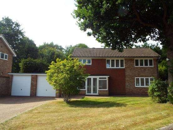 4 Bedrooms Detached House for sale in West Byfleet, Surrey