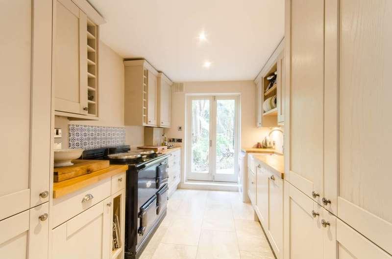 3 Bedrooms Maisonette Flat for sale in Ifield Road, Chelsea, SW10