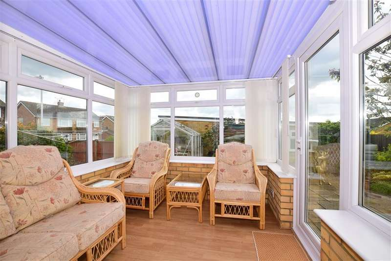 3 Bedrooms Bungalow for sale in Charlton Close, Willesborough, Ashford, Kent