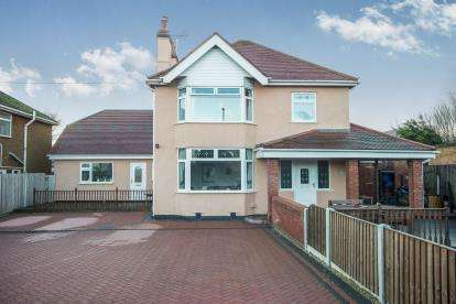 4 Bedrooms Detached House for sale in Foryd Road, Kinmel Bay, Rhyl, Conwy, LL18