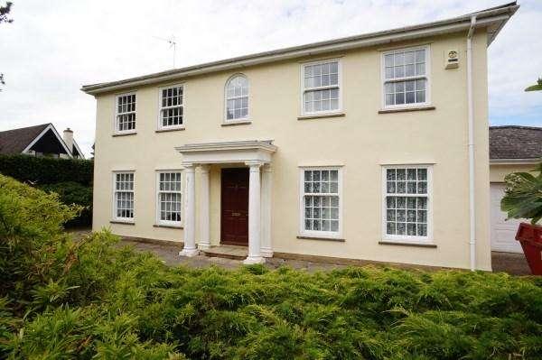4 Bedrooms House for sale in Haythorne Court, Staple Hill, Bristol, BS16 5QS